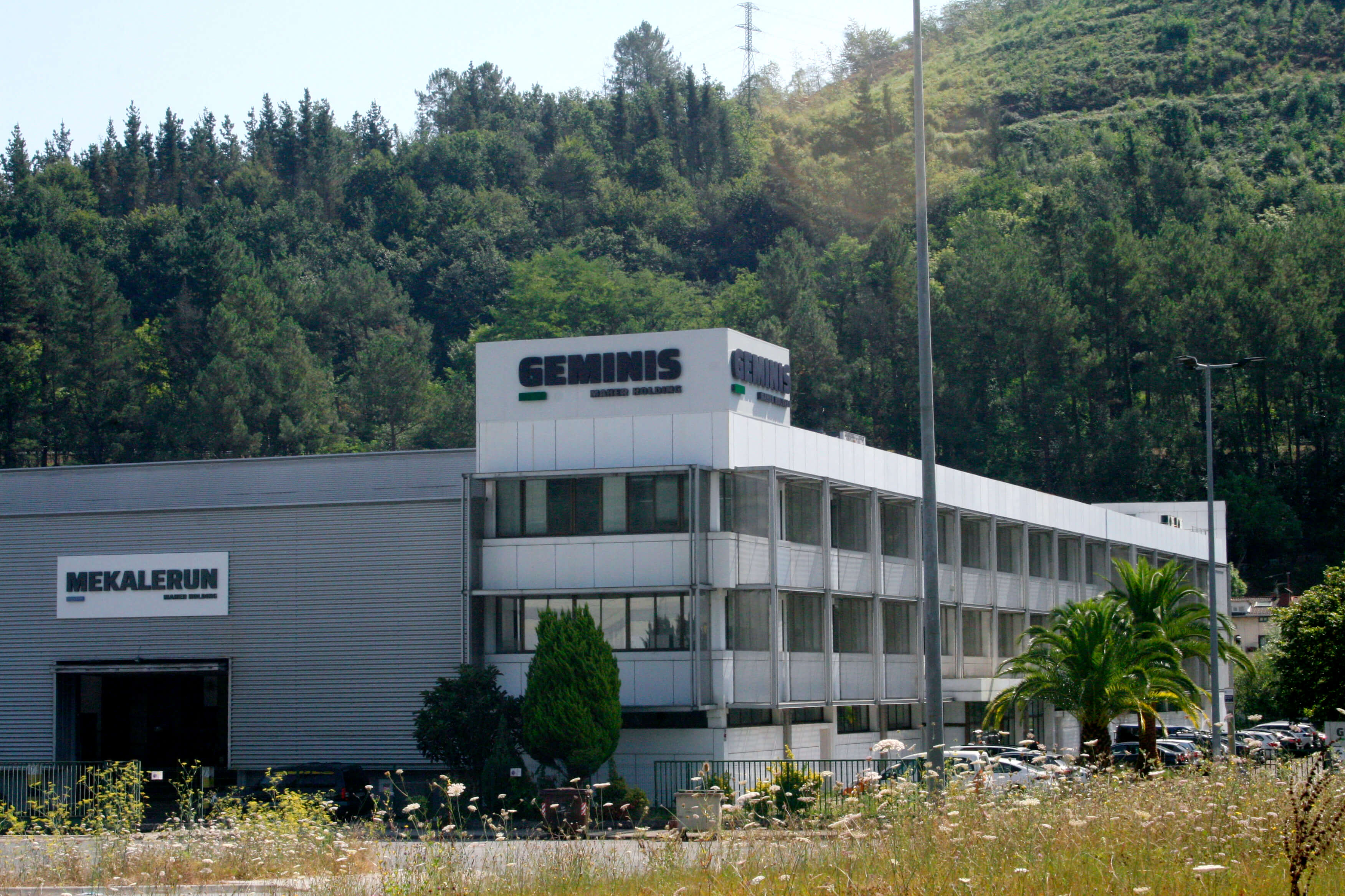 Vista exterior edificio - Geminis Lathes